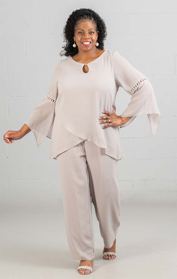 Le Bos 27992 - Womens Pant Suit With Keyhole Neckline And Pearl Details