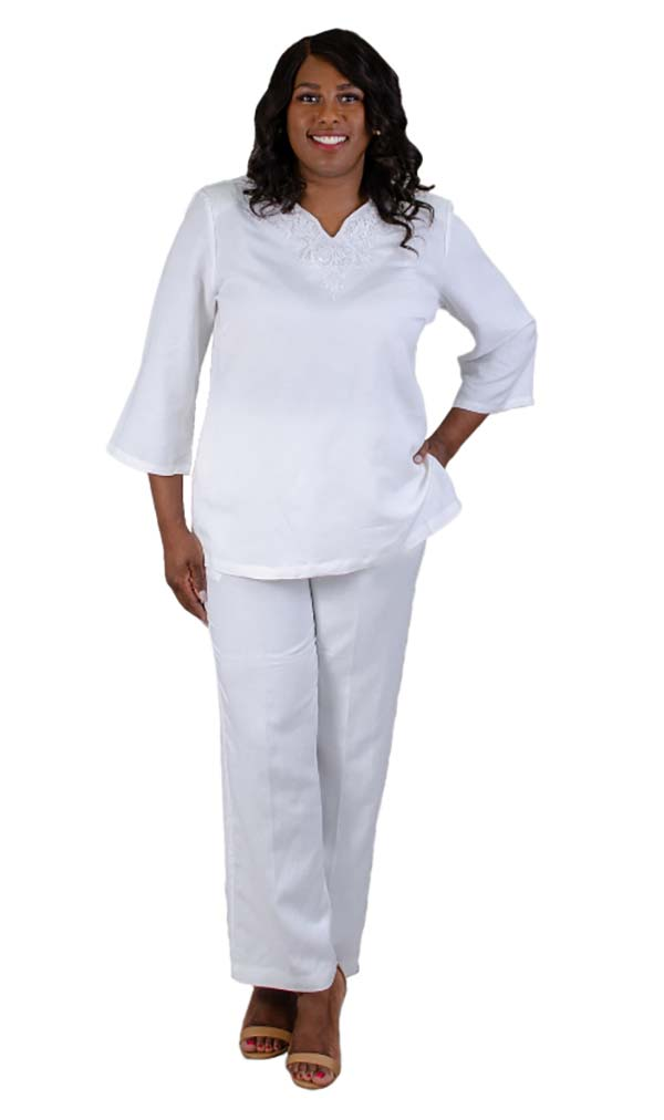 Lino-4707-Womens Pant Suit With Embroidered Neckline Detail
