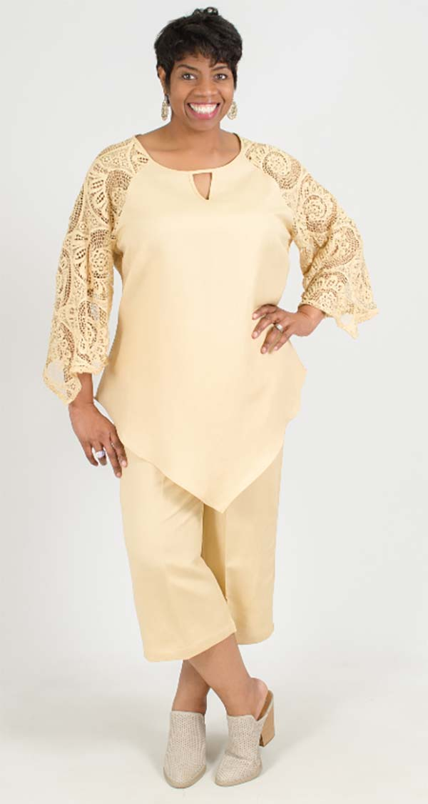 Lino-4832-Champagne-Linen Capri Pant Set With Lacy Sleeves And Keyhole Neckline